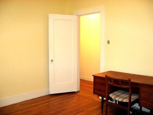 2939-mid-room-angle.jpg